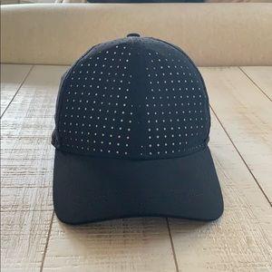 Lululemon Black Hat